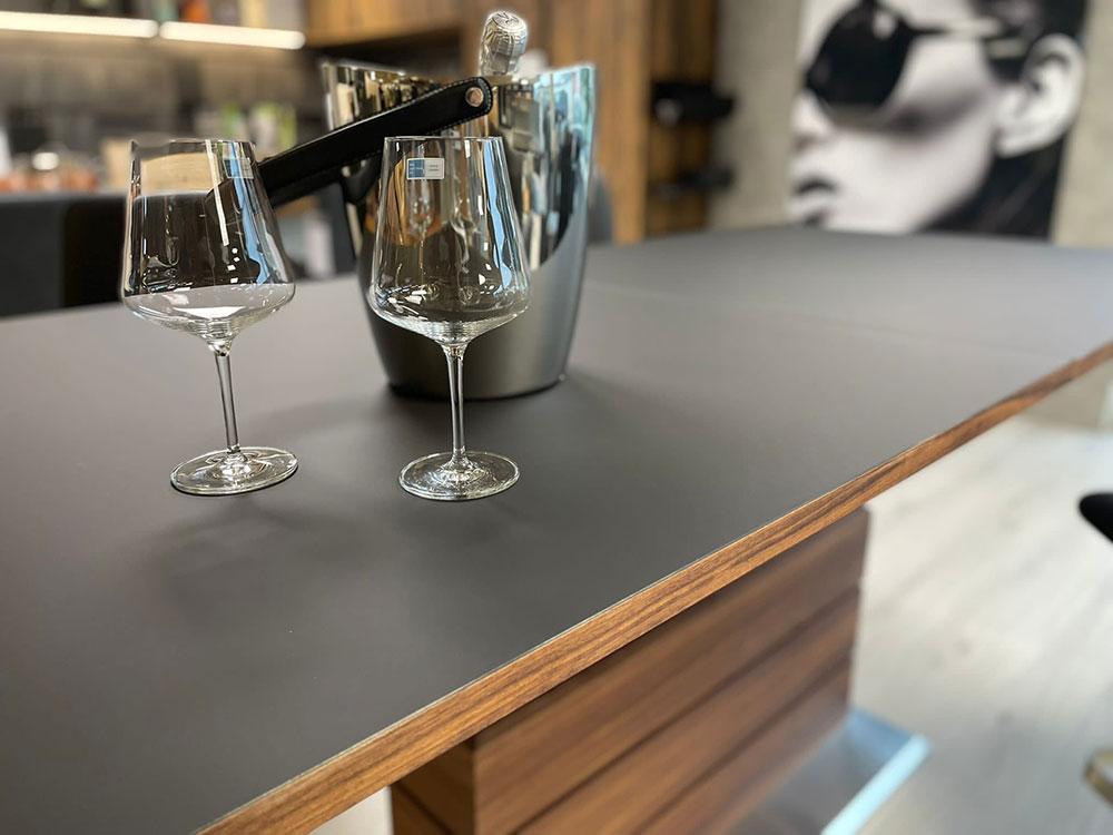 Ess-/Bar-Tisch höhenverstellbar