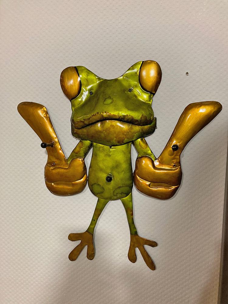 "Wandgarderobe ""Frosch"""